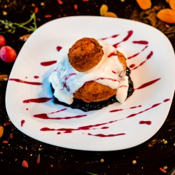 Papanași cu smântână (dulceață / finetti)